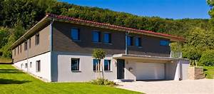 Bungalow Mit Garage Bauen : einfamilienhaus in hanglage mit garage klassischer ~ Lizthompson.info Haus und Dekorationen