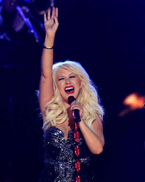 blake shelton voice salary christina aguilera makes how much on quot the voice quot popdust