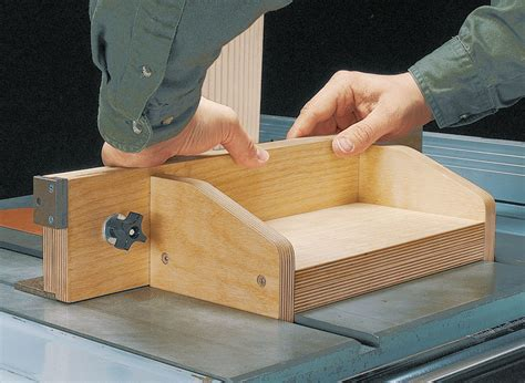 adjustable box joint jig woodworking project woodsmith