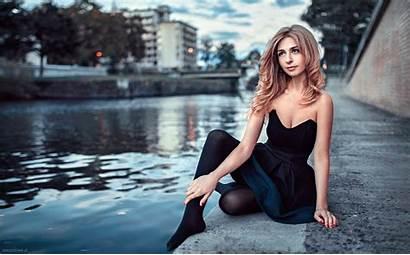 Urban Chernyadyev Georgy Woman Lady Outdoors Sitting