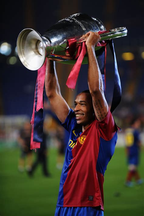 thierry henry  barcelona   trophy soccer