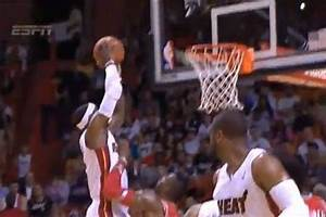 LeBron James Gets Running Start and Dunks on Dwight Howard ...