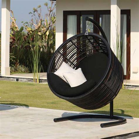 heerlijk ontspannen in de hangstoel door tamara