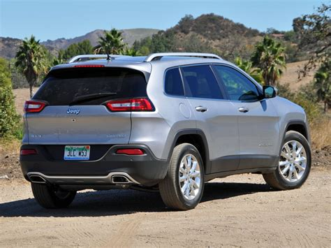 jeep vehicles 2015 2015 jeep cherokee review and quick spin autobytel com