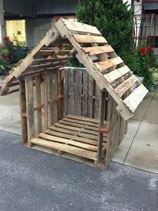 Stylish pallet dog houses designs goat house goats and for How to build a nice dog house