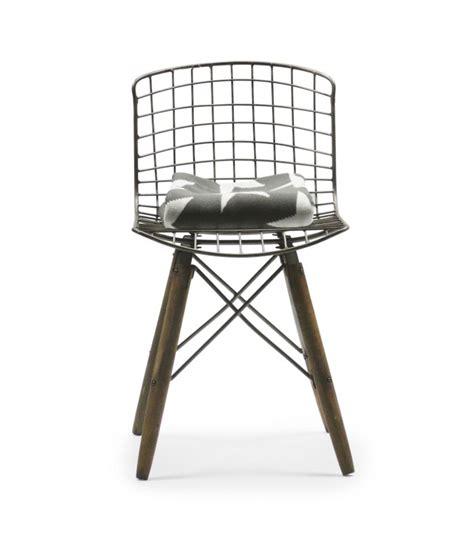 chaise pied en bois chaise design fil de fer et pieds en bois wadiga com