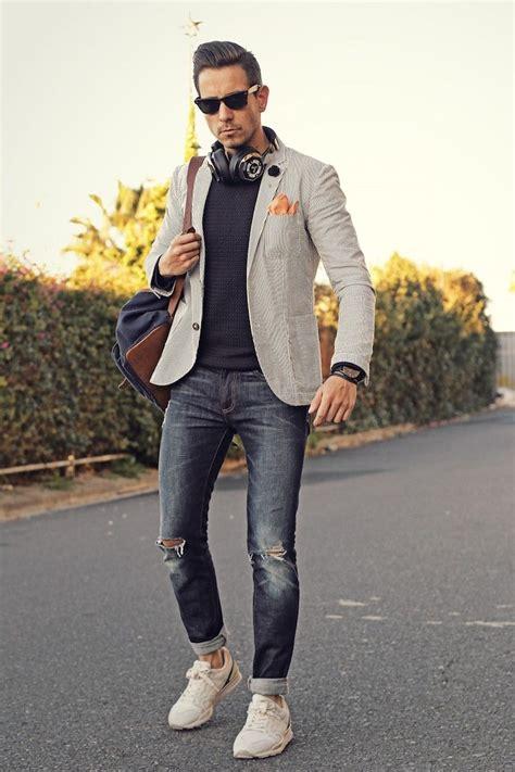 grauer herren blazer blauer pullover sneakers mode fashion menstyle gut angezogen in
