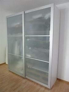 Ikea Schränke Pax : ikea pax wei mit lyngdal schiebet ren in berlin schr nke sonstige schlafzimmerm bel kaufen ~ Buech-reservation.com Haus und Dekorationen