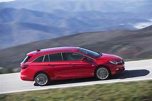 Opel Astra 2016 : a brief history of opel 39 s compact station wagons carscoops ~ Medecine-chirurgie-esthetiques.com Avis de Voitures