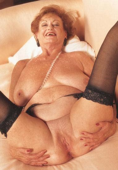 Oma Granny Pussy Spread Datawav