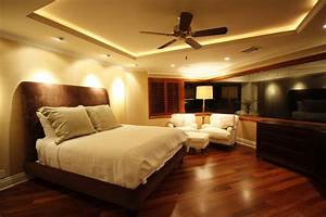 Appealing Master Bedroom Modern Decor With Wooden Floors ...