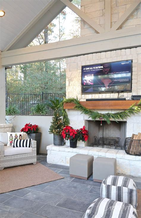 2019 Annual Holiday Tour of Homes Pool house decor