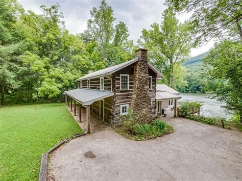 cabins in chattanooga chattanooga vacation rentals quot pot point cabin quot 12 to