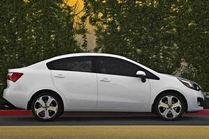 Rio Autos : 2014 kia rio new car review autotrader ~ Gottalentnigeria.com Avis de Voitures