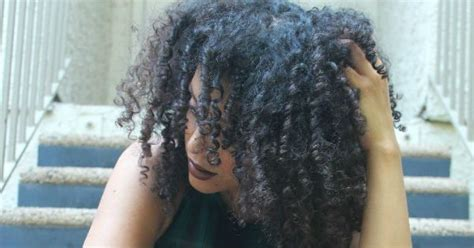 ways  treat dry scalp naturallycurlycom