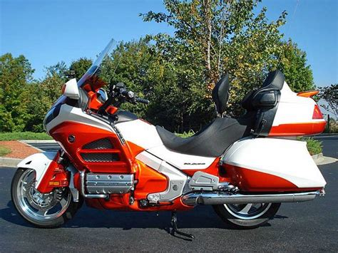 one cool goldwing color scheme goldwings