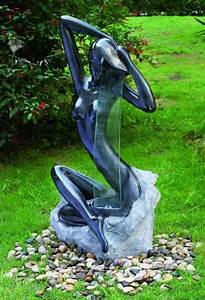 Statue Jardin Design : statue exterieur design maison design ~ Dallasstarsshop.com Idées de Décoration