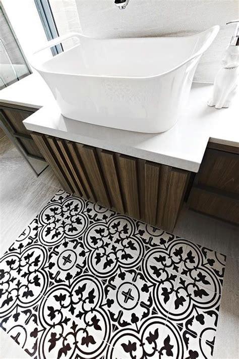 creative  victorian geometric tiles livinghouse
