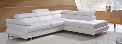 weisse sofa relaxliegen und megasessel im möbelhaus in osnabrück