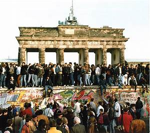 AP Explore | Berlin Wall 25th Anniversary