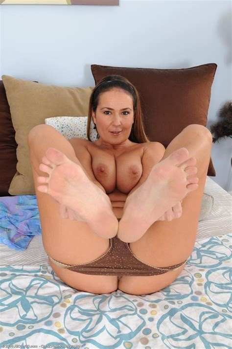 sexy all natural Milf In Jeans pichunter
