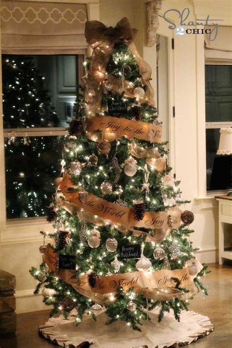 decorating tree with burlap ribbon 25 creative and beautiful tree decorating ideas