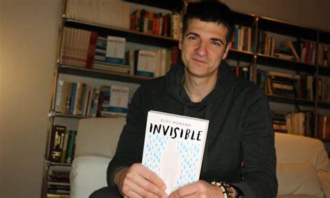 lade da libro entrevista a eloy moreno para hablar sobre su novela invisible