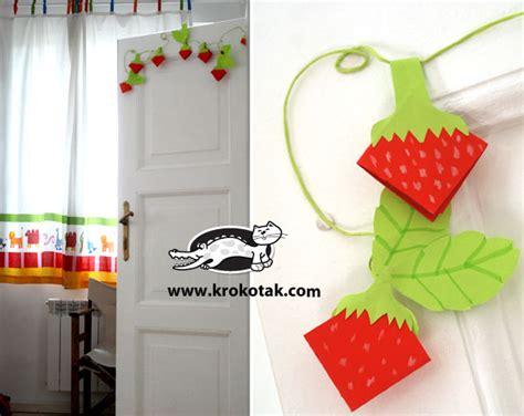 Krokotak  Paper Strawberries