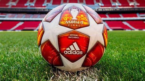 Eurosport est votre destination pour l'actualité football. Champions: El balón oficial de la final, con tonos rojos en representación del Wanda Metropolitano