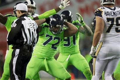 Celebration Loosening Nfl Seahawks Michael Bennett Thrusts