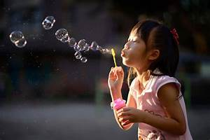 Physics - Focus: Physics of Blowing Bubbles  Blowing