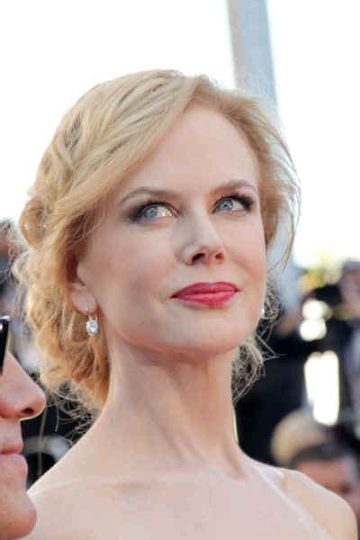 Hairstyles: Nicole Kidman ? Textured Updo   Sophisticated