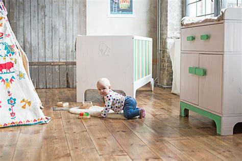Kinderzimmer Junge Massiv by Frischer Wind Im Kinderzimmer Nachhaltig Und Massiv