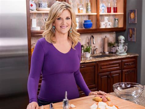 trisha yearwood country kitchen trisha yearwood earns daytime emmy nomination 6385