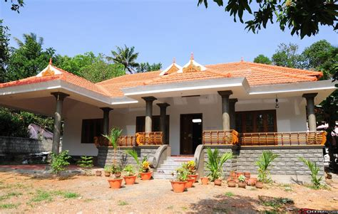 Kerala Traditional Home Design With Poomukham,Naalukettu