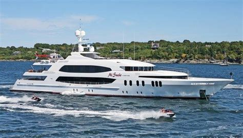 Yacht With Helicopter by Stunning Yacht With Helicopter Pad Of Luxury