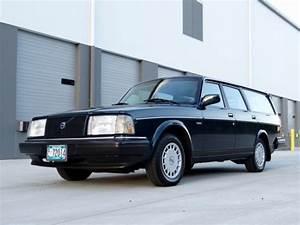 1991 Volvo 240 Wagon  Manual Transmission   137 000 Miles