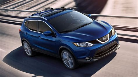 nissan rogue sport 2017 blue how the new nissan rogue sport is a small but mighty suv