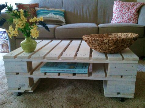 coffee table made out of pallet wood 21 ways of turning pallets into unique pieces of furniture