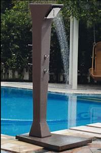 Douche Extérieure Pour Piscine : douche exterieure piscine ~ Edinachiropracticcenter.com Idées de Décoration