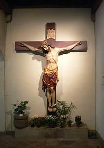 Crucifix - Wikipedia