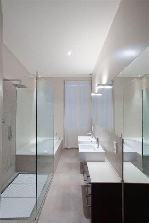 Kleines Langes Bad Renovieren by Schmales Badezimmer Minimalistisches Design Dusche