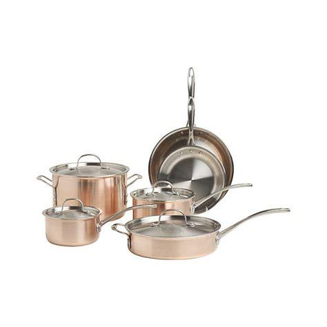Kitchen Essentials Calphalon Pot by 1000 Images About Building Kitchen Essentials On