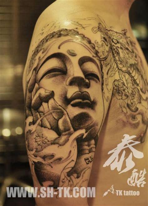schulter buddha religioes tattoo von sh