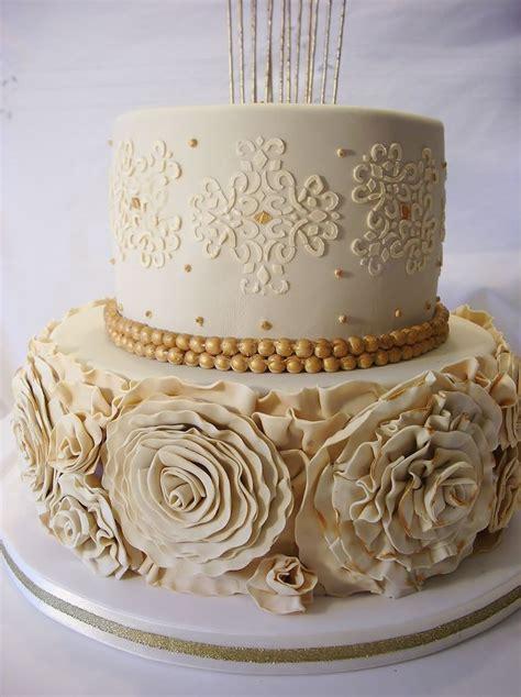 la quinceanera  tier cake  ruffle roses