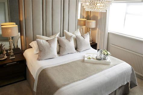ways  achieve  luxury boutique hotel style bedroom