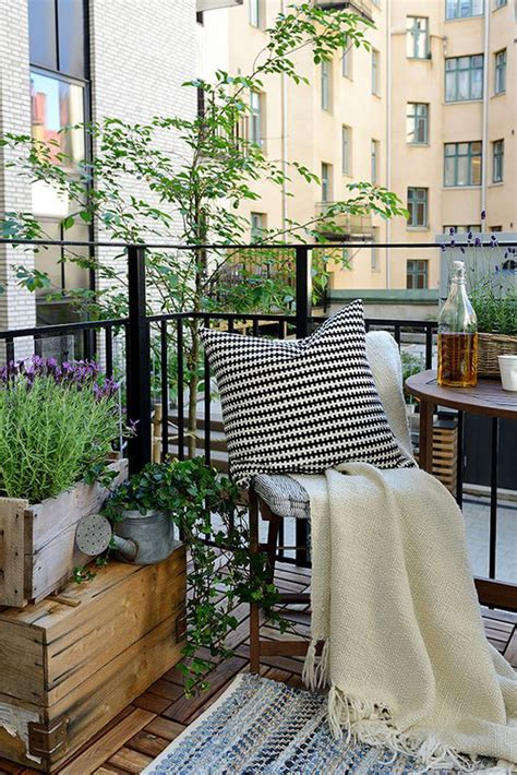 15 Small Balcony Apartment With Charming Looks House