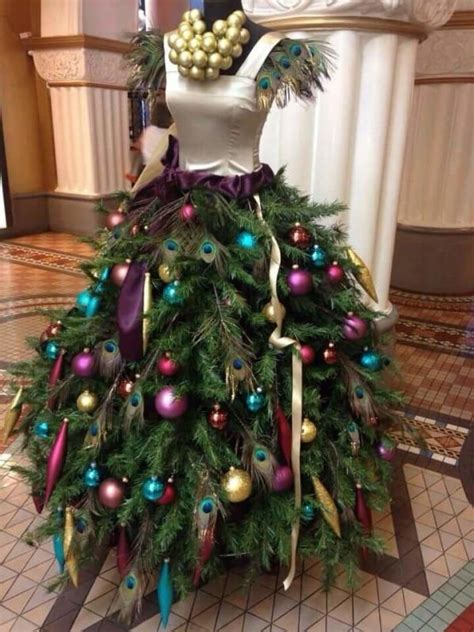attaches tree branches    dress form