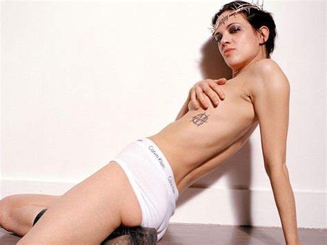 Italian Actress Asia Argento Hairy Pussy And Pregnant