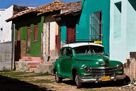 Why Does Cuba Have So Many Classic Cars?  The News Wheel